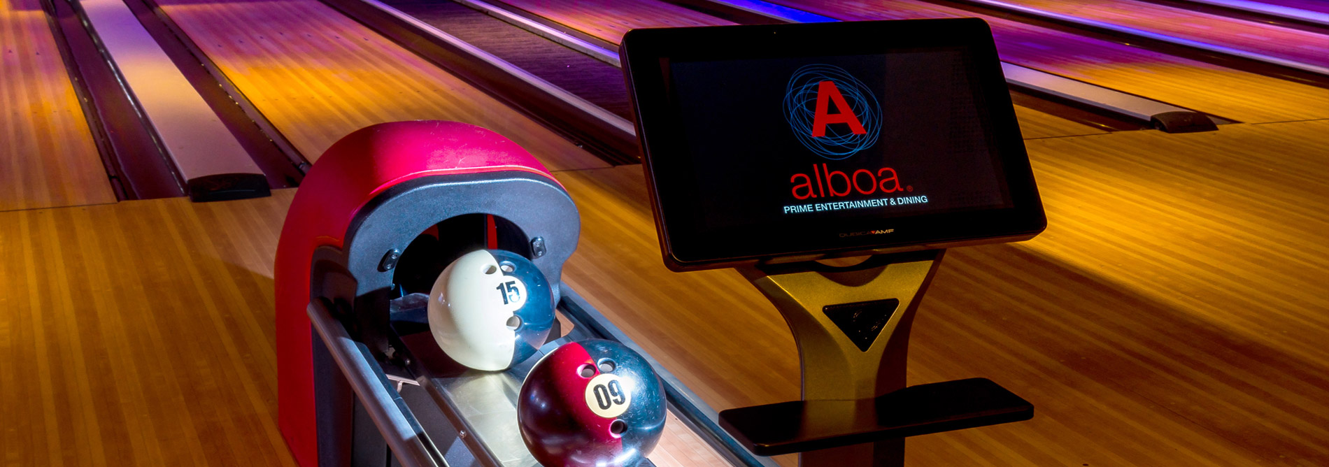 Bowling-QubicaAMF-score-bowler-consoles--features-banner.jpg