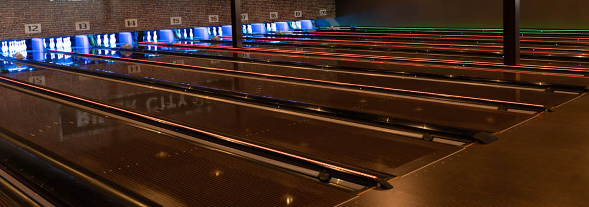 Bowling-QubicaAMF-CAPPING-LIGHTS-Brochures-banner.jpg