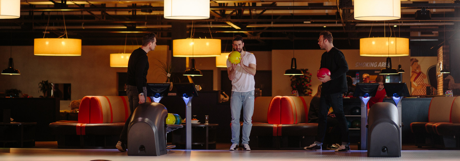 Bowling-QubicaAMF-furniture-feature-banner.jpg