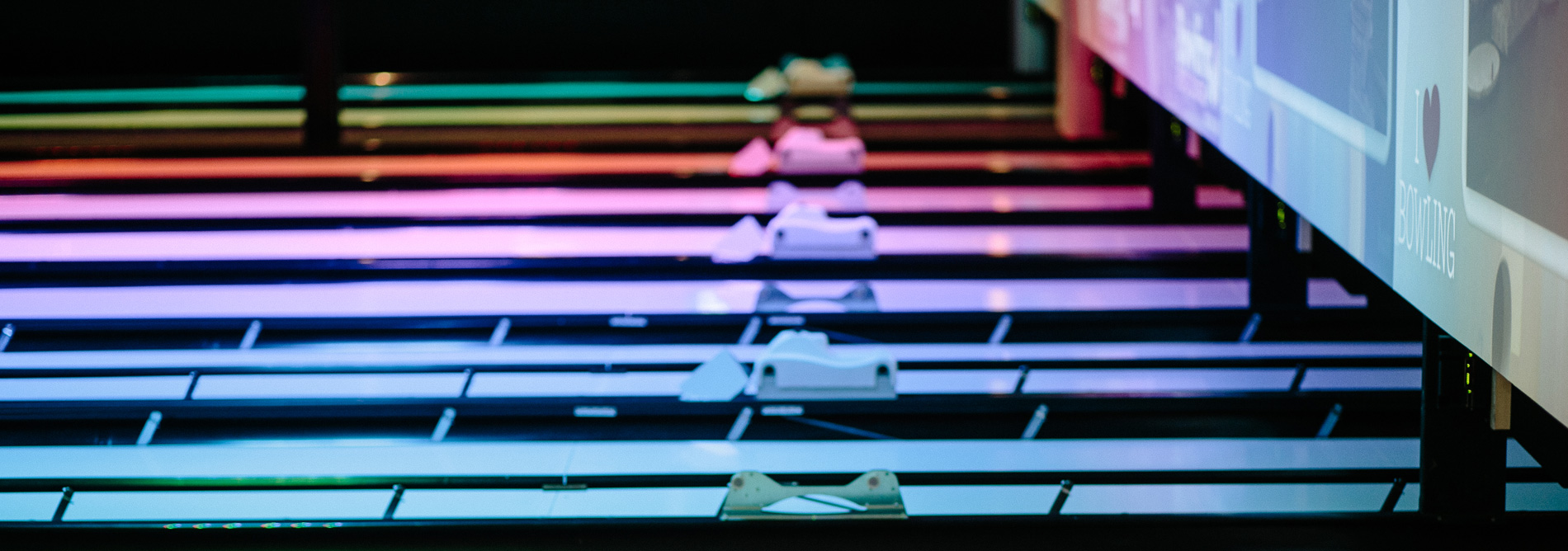 Bowling-QubicaAMF-lane-accessories-FEATURES-banner.jpg